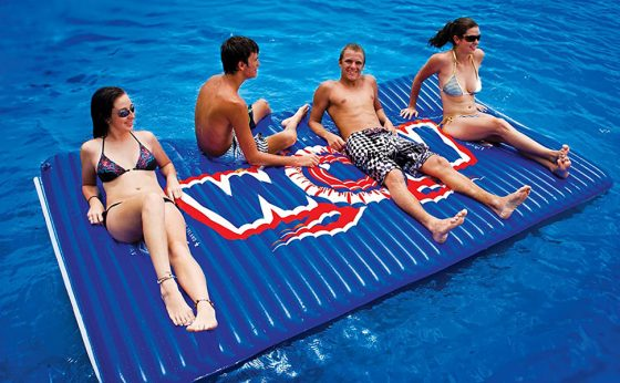 Best Floating Water Mats in 2021 – For Water Recreation