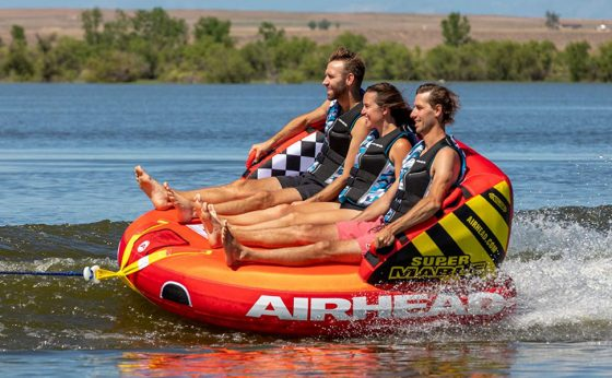 Best Towable Tubes For Fun on The Water of 2021